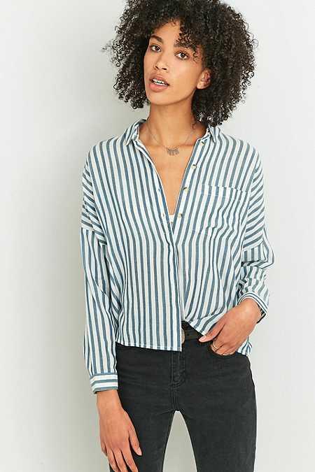 Urban Outfitters – Gestreiftes Twill-Hemd in Blau mit Knopfleiste