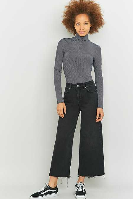 BDG Flood Cropped Wide Leg Jeans