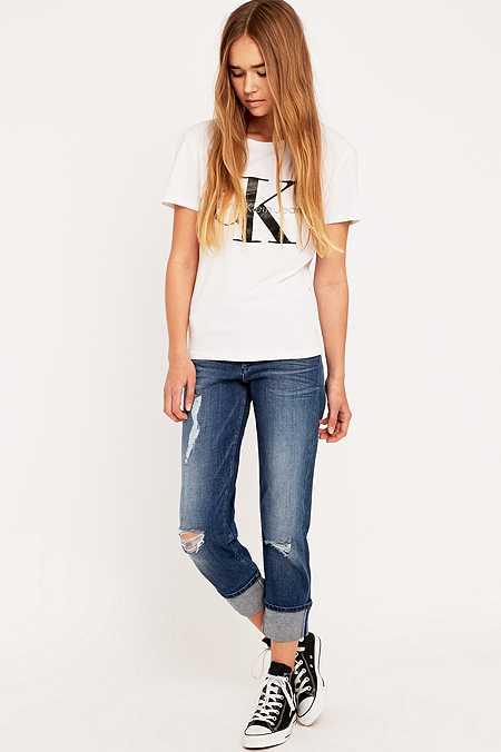 """Calvin Klein – Boyfriend-Jeans """"Jenny"""" in Blau mit Rissen"""