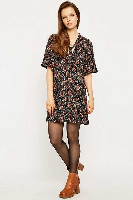 Urban Outfitters - Robe nouée manches fluides