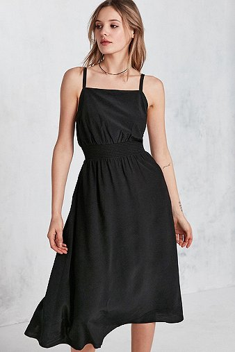 Urban outfitters robe midi dolly dos nu encolure - Bon de reduction urban outfitters ...