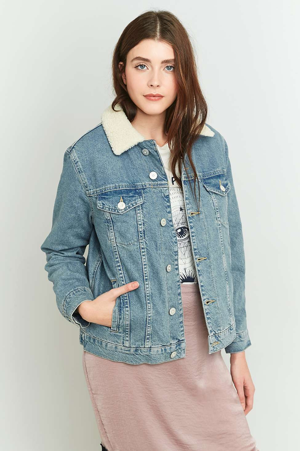 How to wear a denim jacket in winter