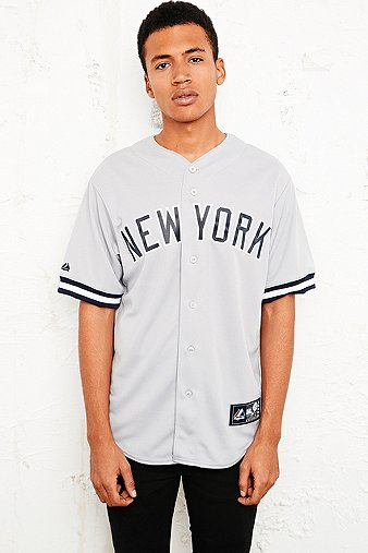 Majestic athletic chemise de baseball new york yankees - Bon de reduction urban outfitters ...