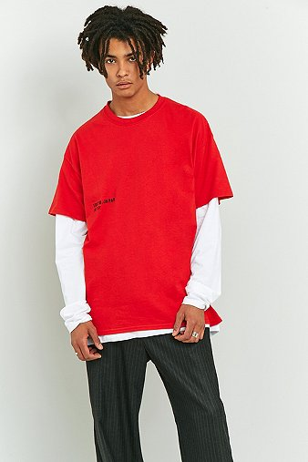Uo t shirt tokyo japan rouge urban outfitters for Dos equis t shirt urban outfitters