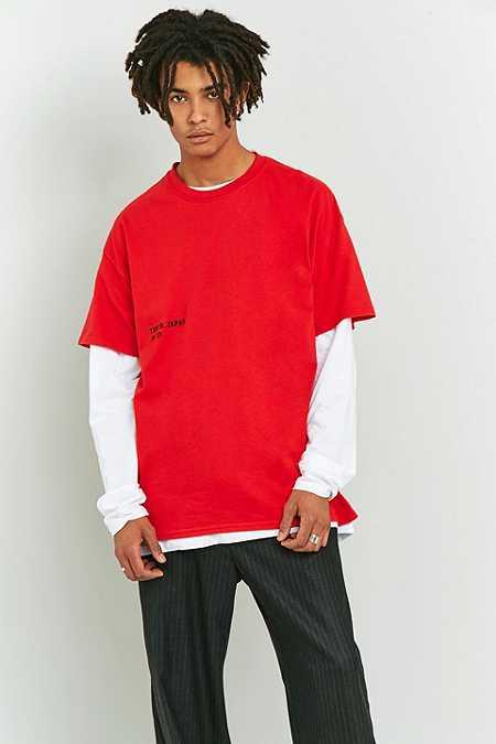 UO - T-shirt Tokyo Japan rouge