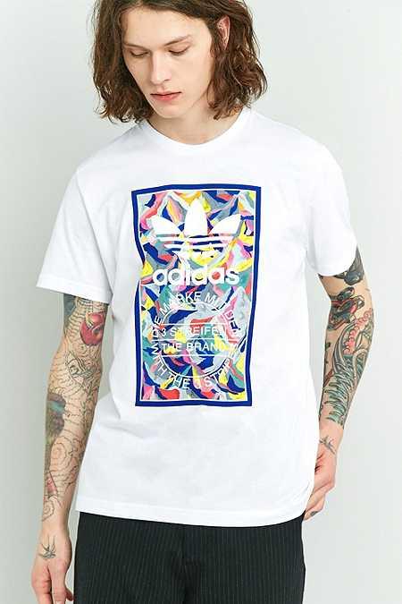 adidas - T-shirt imprimé à 3 bandes blanc - Urban Outfitters