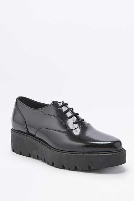 Chaussures à lacets Iria et semelle épaisse noires