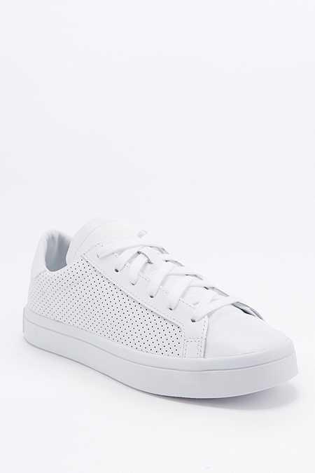 adidas - Baskets Originals Court Vantage perforées blanches