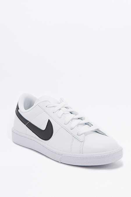Nike - Baskets Tennis Classic noires et blanches
