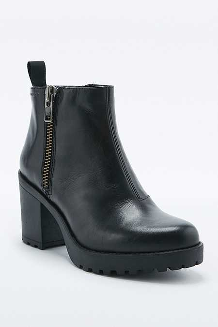 Vagabond Grace Black Side Zip Ankle Boots