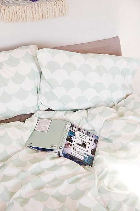 bett und kissenbez ge urban outfitters. Black Bedroom Furniture Sets. Home Design Ideas