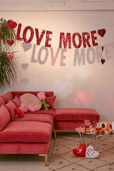 Guirlande Love More