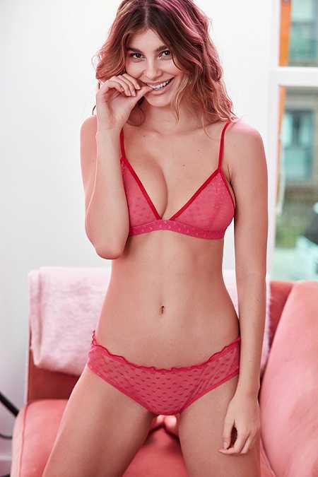 Out From Under - Culotte transparente rouge à cœurs