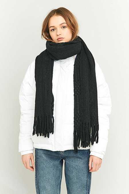 Schlingenstich-Schal mit Fransen