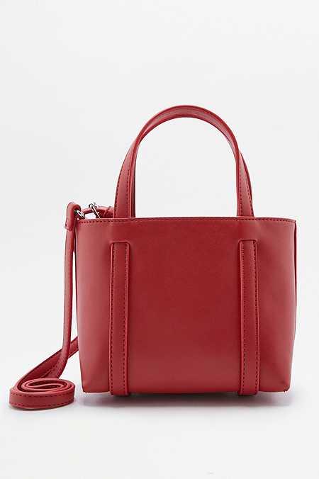 Petit sac à bandoulière rouge style fourre-tout