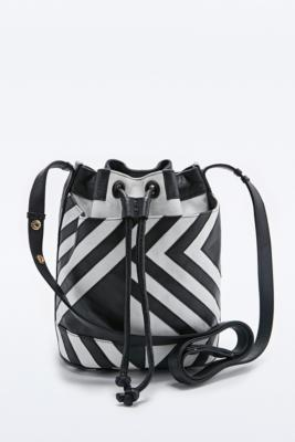 Black and white graphic bucket bag.