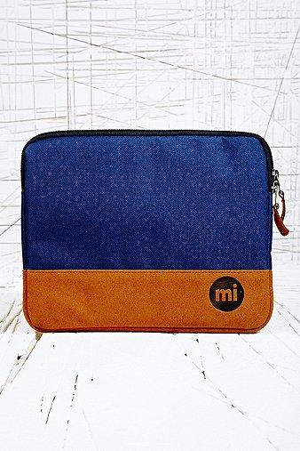 http://euimages.urbanoutfitters.com/is/image/UrbanOutfittersEU/5850440130229_041_b?$detailMain$