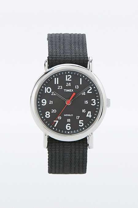 """Timex – Analoguhr """"Weekender"""" mit schwarzem Leinenarmband"""