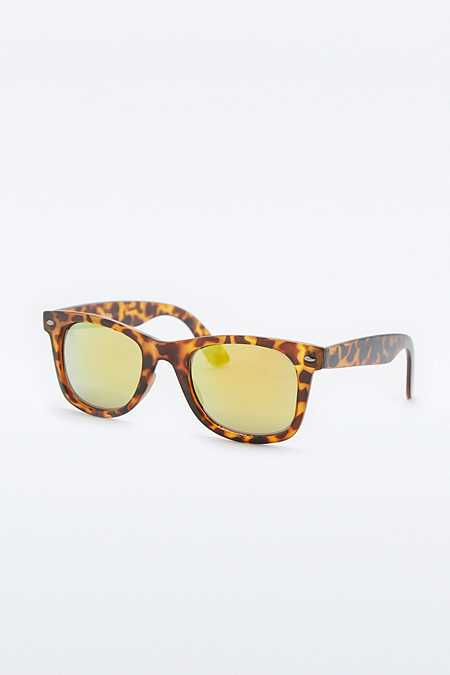 Urban Outfitters – Klassische, eckige Sonnenbrille in Schildpatt-Optik