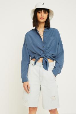 Urban Outfitters – Drapiertes Tunikahemd In Verwaschenem Blau by Urban Outfitters
