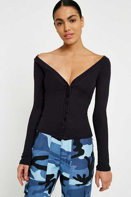 UO Seila Plunging Off-The-Shoulder Top