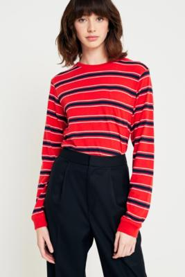 Uo   T Shirt Manches Longues Rayé Rouge Avec Poche by Urban Outfitters