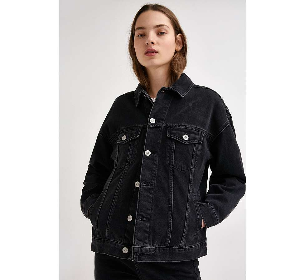 Slide View: 1: BDG – Boyfriend-Jeansjacke in Schwarz