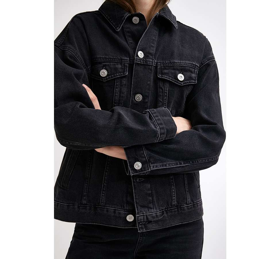 Slide View: 3: BDG – Boyfriend-Jeansjacke in Schwarz