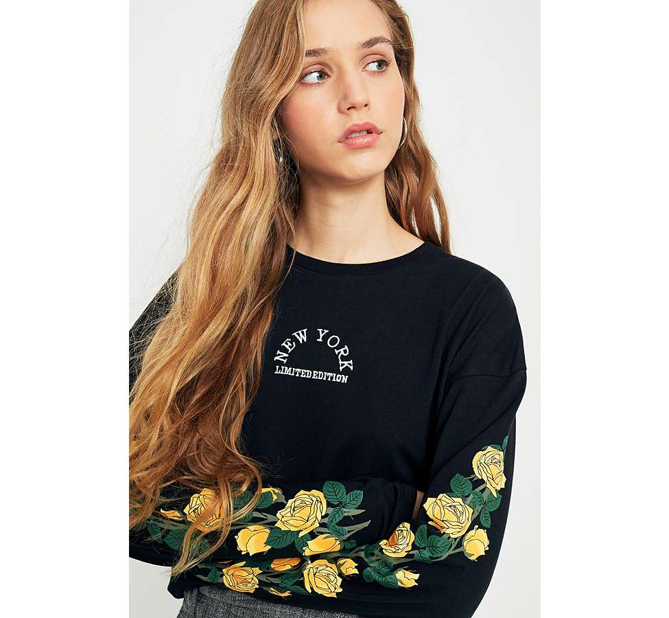 Slide View: 3: Urban Outfitters - T-shirt New York manches longues à motifs roses