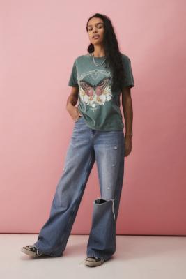 UO - T-shirt boyfriend imprimé papillon céleste - Urban Outfitters - Modalova