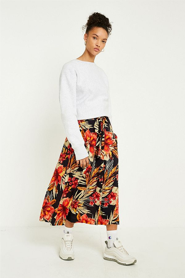 https://euimages.urbanoutfitters.com/is/image/UrbanOutfittersEU/0120380291129_001_d?$xlarge$&hei=900&qlt=80&fit=constrain