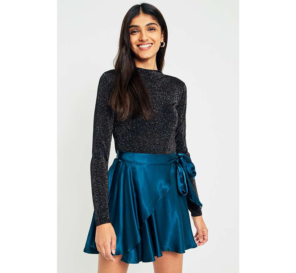 Slide View: 1: UO Maise Shiny Wrap Mini Skirt