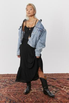 UO Hannah Lace Trim Midi Skirt - Black M at Urban Outfitters