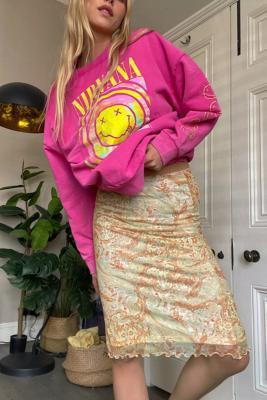 UO - Jupe midi en voile Awkward\u00a0motif cachemire jaune - Urban Outfitters - Modalova