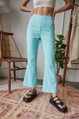 UO - Pantalon évasé Cara bootcut - Urban Outfitters - Modalova