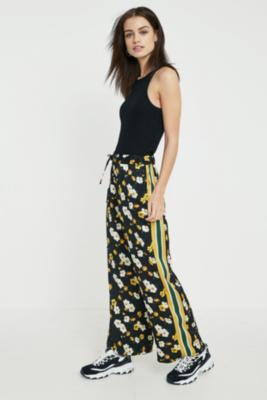 Urban Outfitters - UO Floral Side-Stripe Satin Culottes, Black
