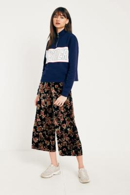 Light Before Dark - Light Before Dark Floral Velvet Culottes, Black
