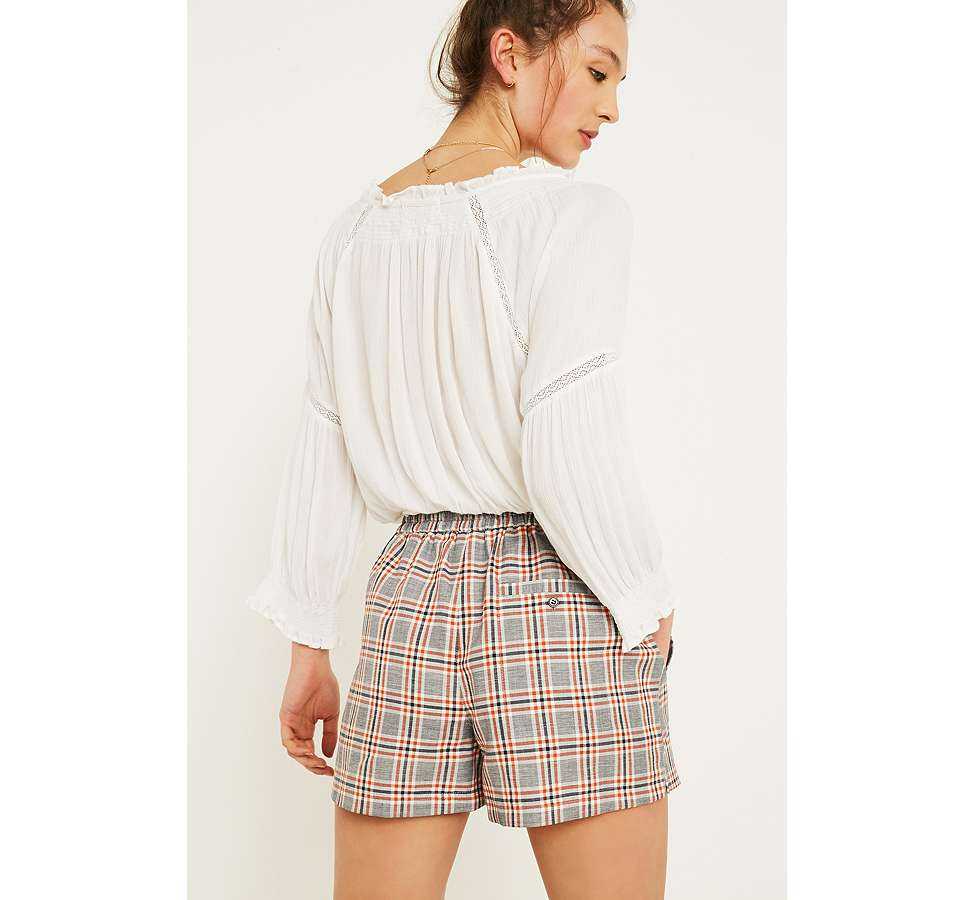 "Slide View: 3: Urban Outfitters – Karierte Shorts ""City"" in Orange"