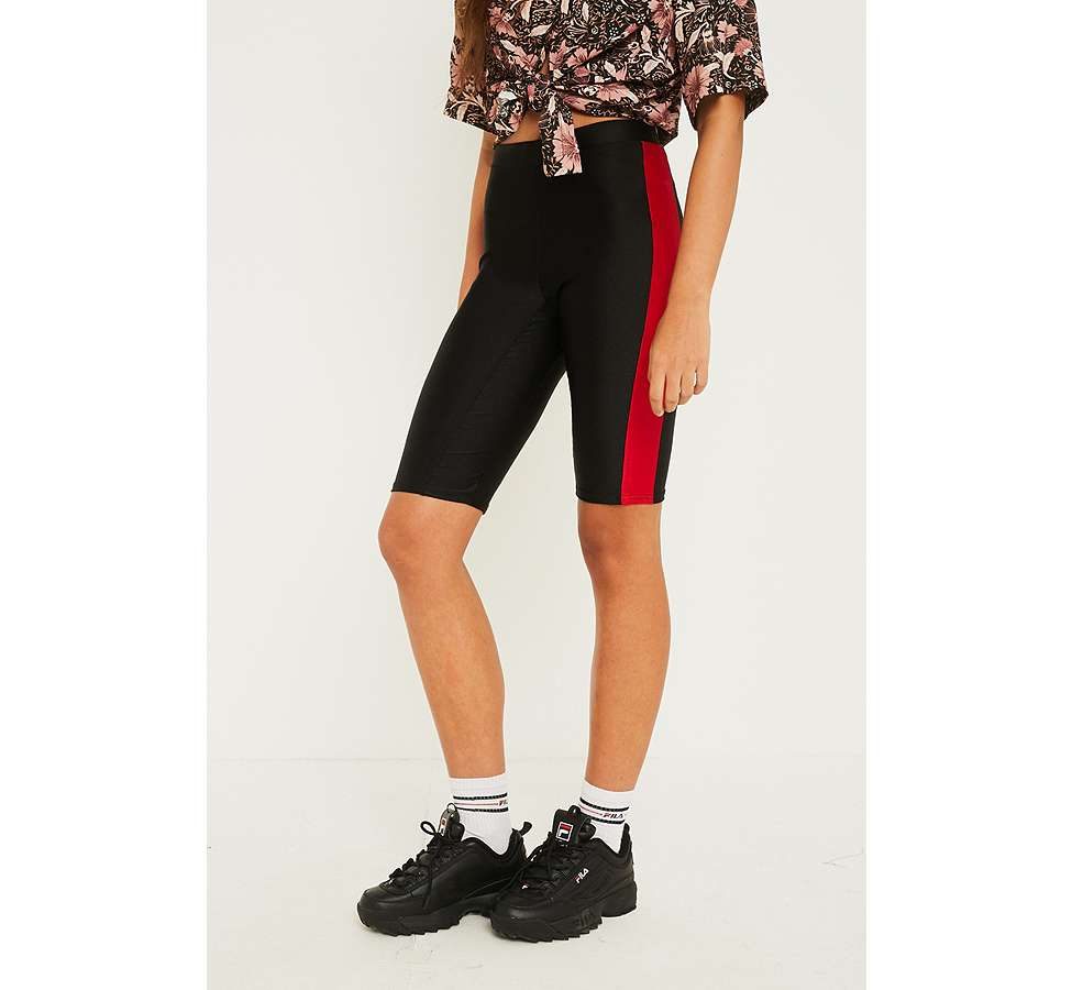Slide View: 3: UO - Short cycliste rayé rouge