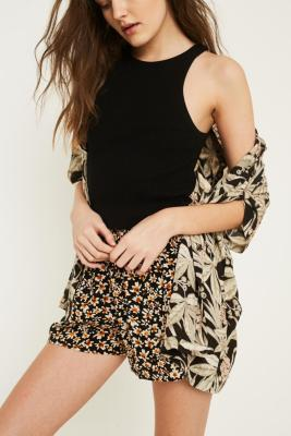 Urban Outfitters - UO Floral Smocked Waist Crinkle Shorts, Black