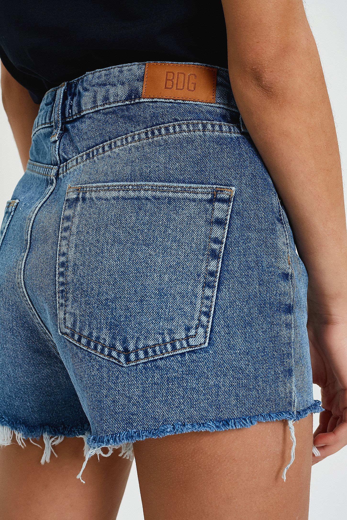BDG – Vintage-Mom-Jeansshorts in Blau | Urban Outfitters