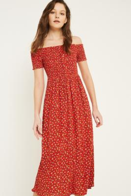 """Urban Outfitters – Geblümtes Midikleid """"Monica"""" In Rot by Urban Outfitters"""