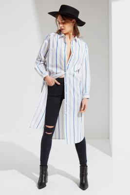 """Urban Outfitters – Geknöpftes Midi Hemdkleid """"Marqui"""" by Urban Outfitters Shoppen"""