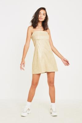 "Urban Outfitters – Trägerkleid ""Moonbeam"" In Metallic Gold by Urban Outfitters Shoppen"