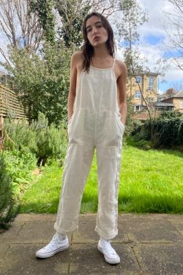 UO - Combi-pantalon Misty en lin - Urban Outfitters - Modalova