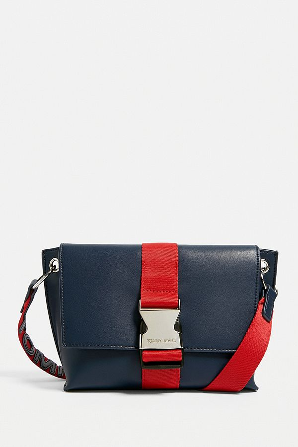 Tommy Jeans Modern Girl Crossbody   Urban Outfitters UK a941d61d91