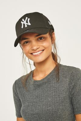 New Era 9FORTY NY Yankees Black Baseball Cap – Womens ALL