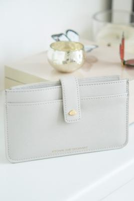 Estella Bartlett - Estella Bartlett Escape the Ordinary Grey Travel Wallet, Light Grey