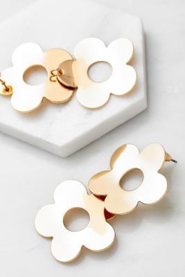 Boucles d'oreilles marguerites dorées - Urban Outfitters - Modalova