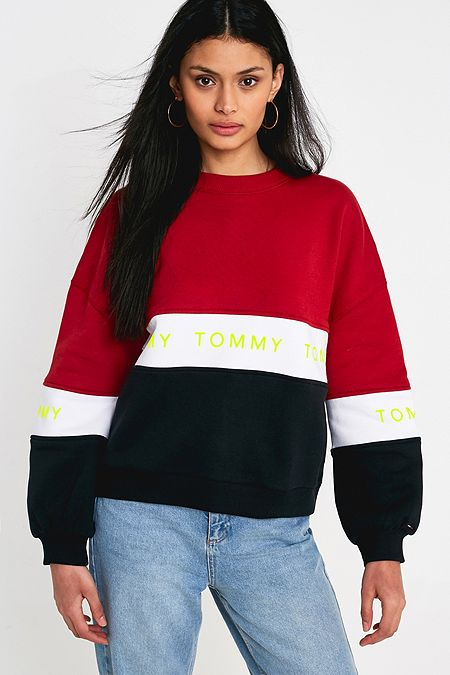 amp; Tops Women's Outfitters Jumpers Urban Tommy Uk Jeans Shirts T XxOCE5fqw